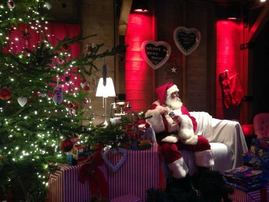 santa edinburgh christmas market