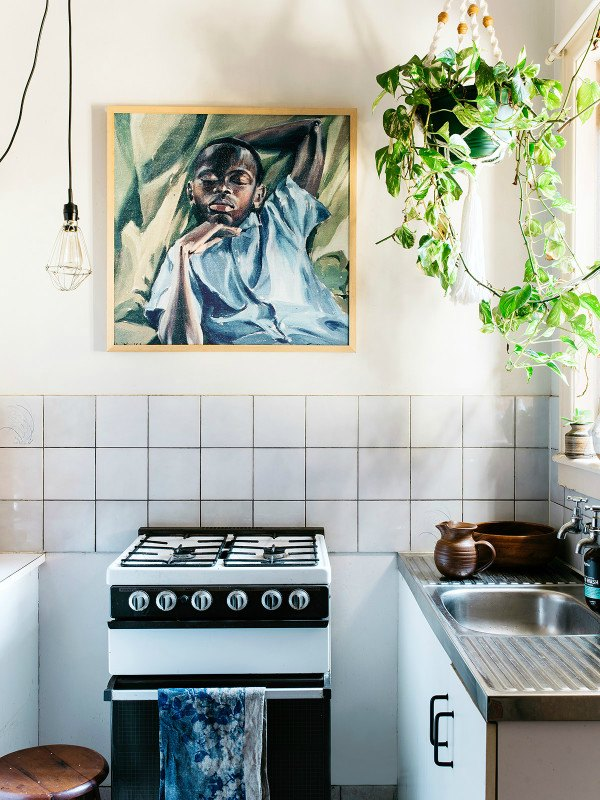 10 Kitchen And Home Decor Items Every 20 Something Needs: An Effortlessly Stylish Secondhand House