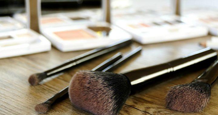 mica in makeup