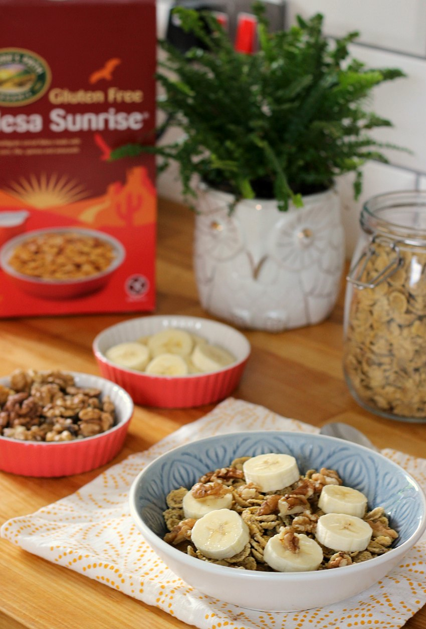 cornflakes with walnut and banana