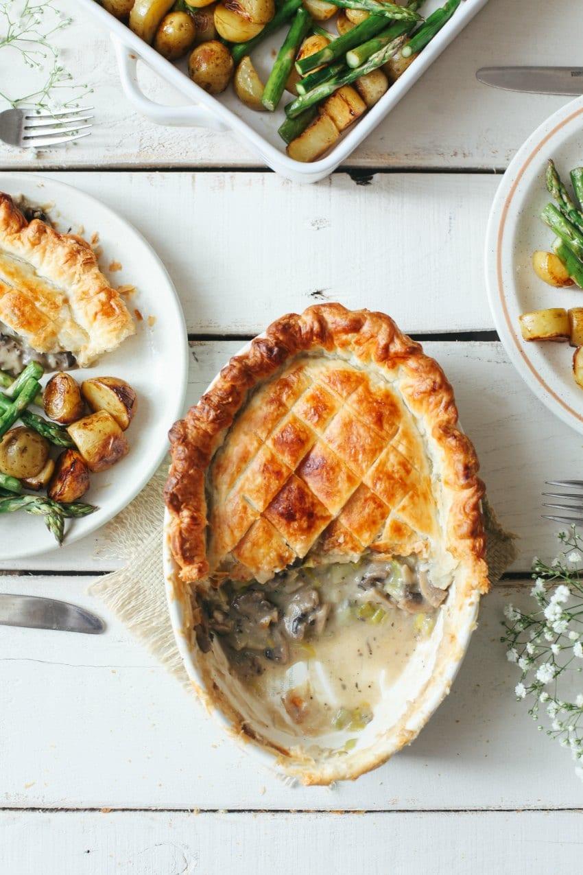 vegan mushroom and leek pie