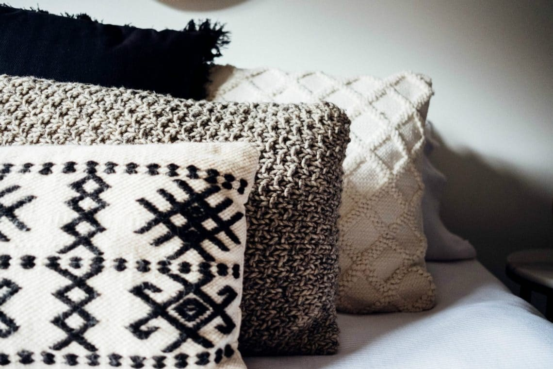 how to make a cushion from a jumper