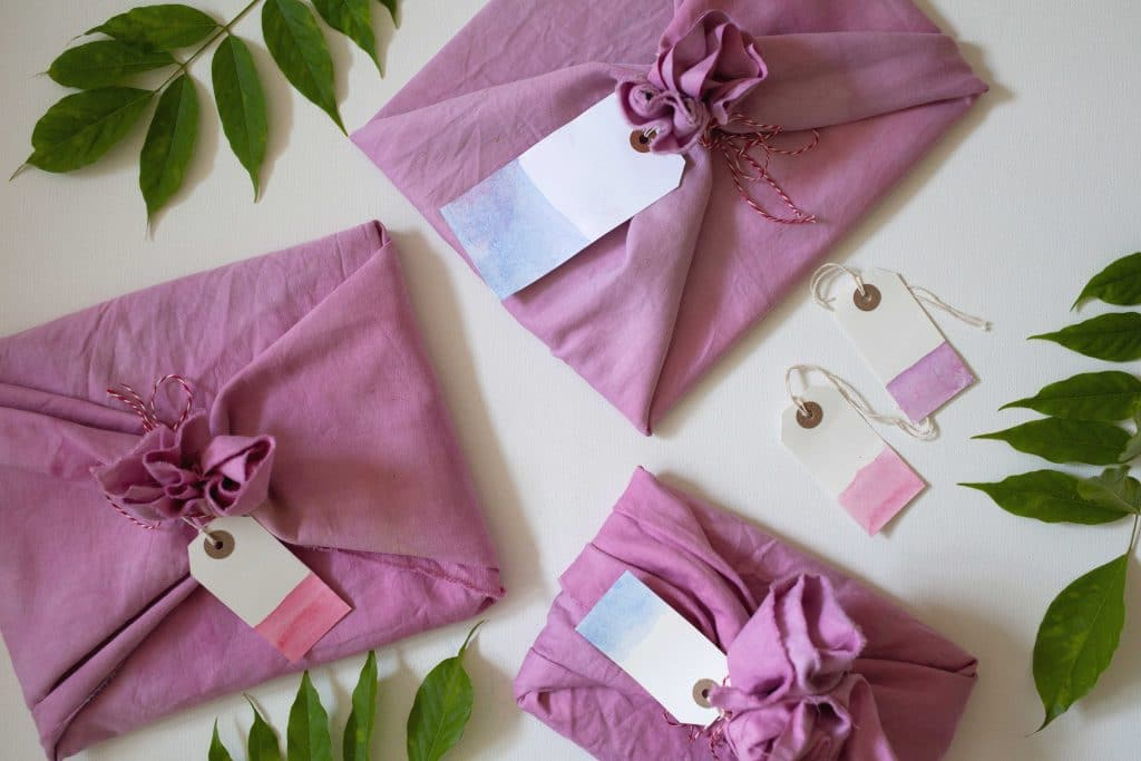 how to wrap gifts using fabric