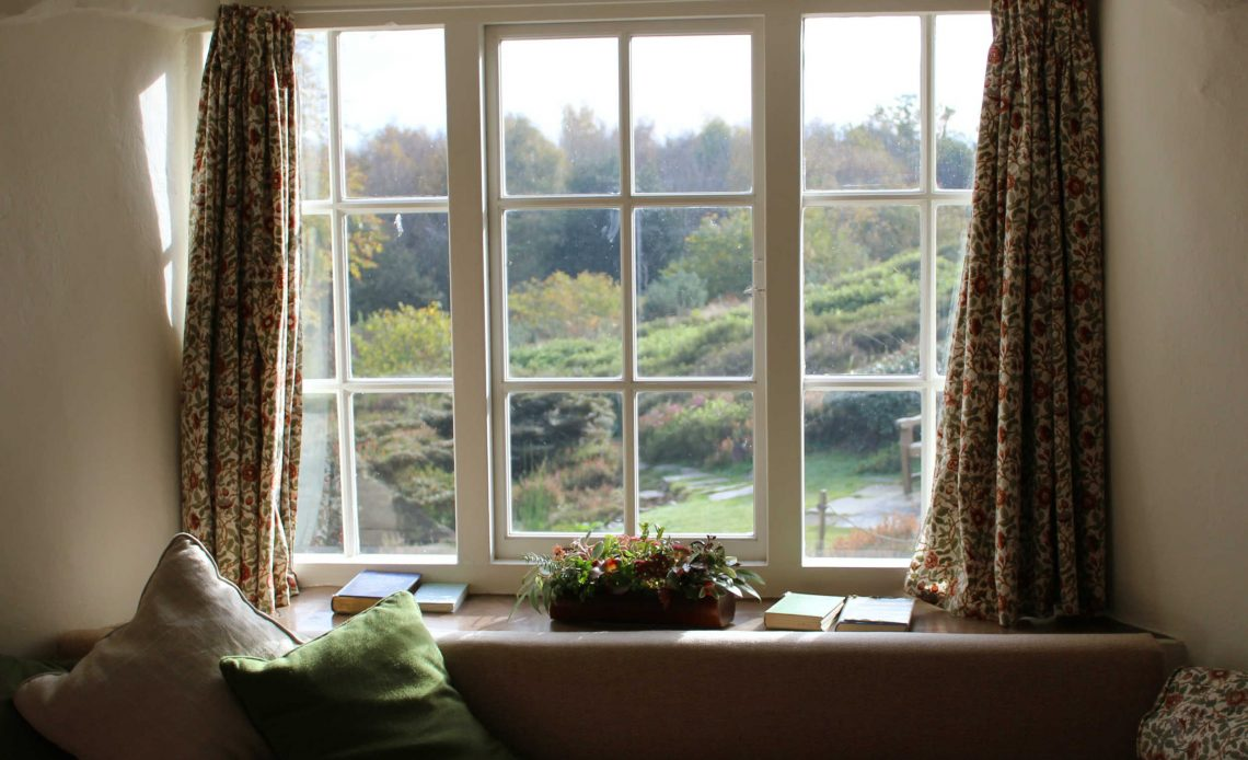why closing your curtains helps keep your home warmer