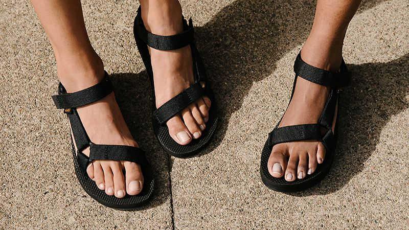 Teva walking sandals in black