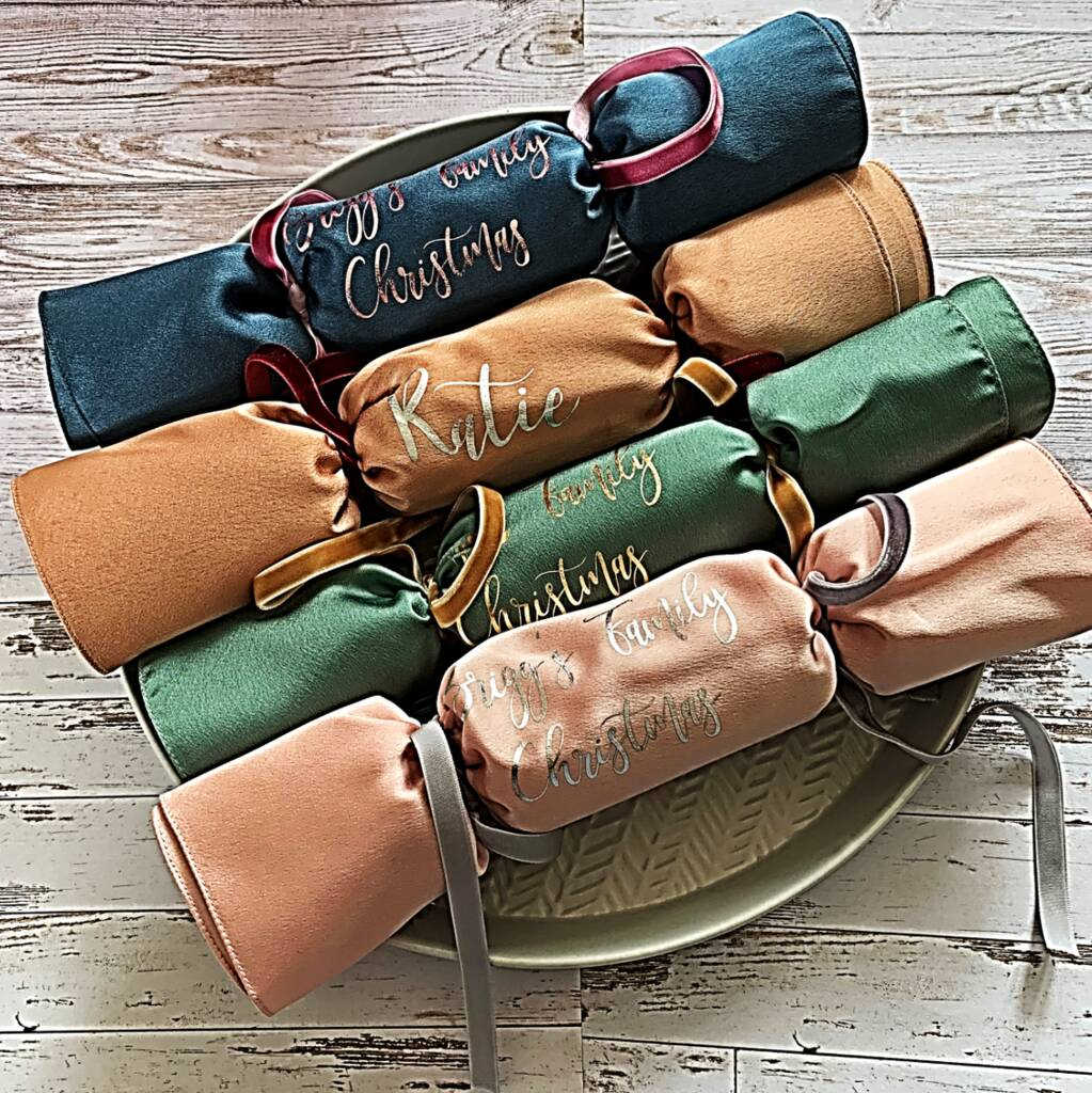 Eco-friendly Christmas crackers from Matchimony